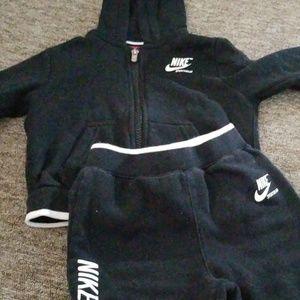 Nike sweatsuit